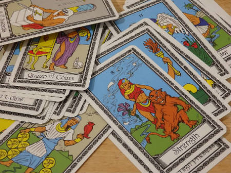 reading the Egyptian tarot cards